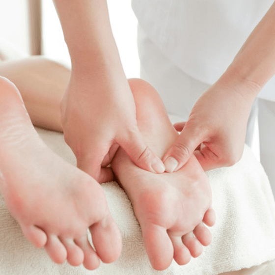 Cure Healths Provide Reflexology Therapy To Cure Your Health Problem Under Expert Naturopathic Doctor